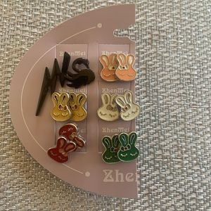 Six pairs of fashion earrings Brand new